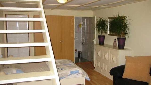 Slaapkamer appartement met badkamer