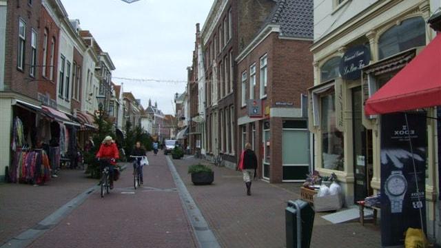 Straatbeeld Voorstraat Brielle