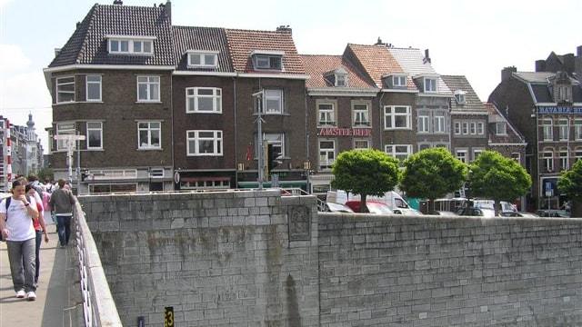 Aanzicht vanaf Sint Servaasbrug
